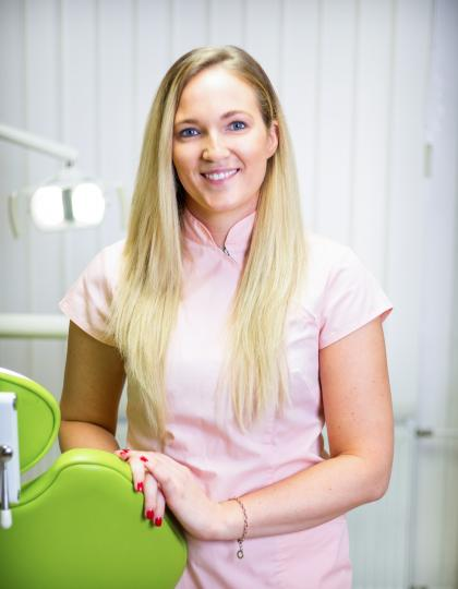 Dr. Beke Zsófia - Dentist
