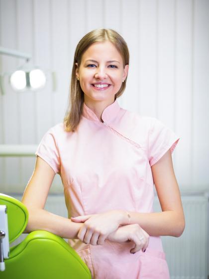 Dr. Haris Márta - Dentist